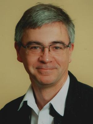 dr Przemysław Strzyżyński
